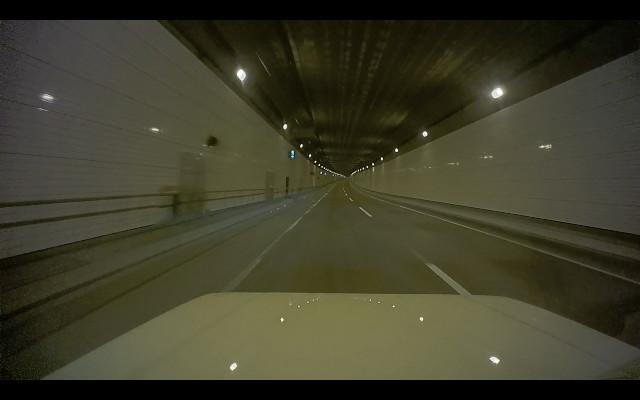 海底トンネル内